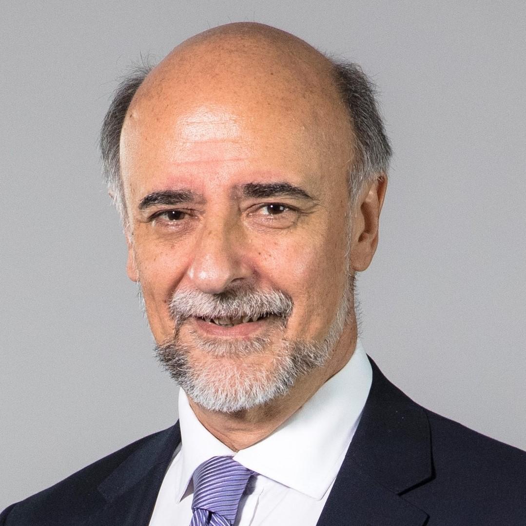 Dr. Pablo Mieres